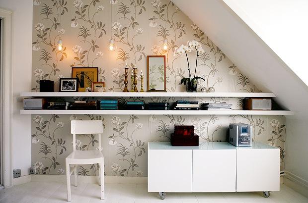 Dicas de como decorar o espa o embaixo da escada for Decoracion de entraditas pequenas
