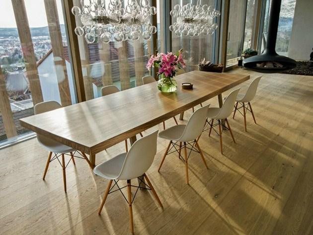 mesa de carvalho com impressionantes 350 anos. Black Bedroom Furniture Sets. Home Design Ideas