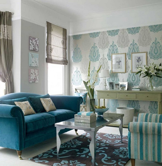 O tapete completa o visual desta linda sala de estar