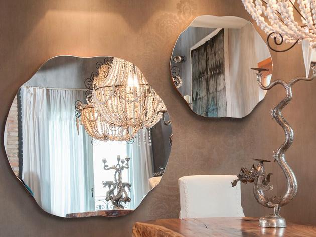 Os espelhos dão um charme a coleção