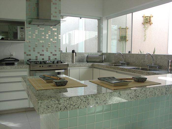 decoracao na cozinha:Pastilhas de vidro na cozinha2
