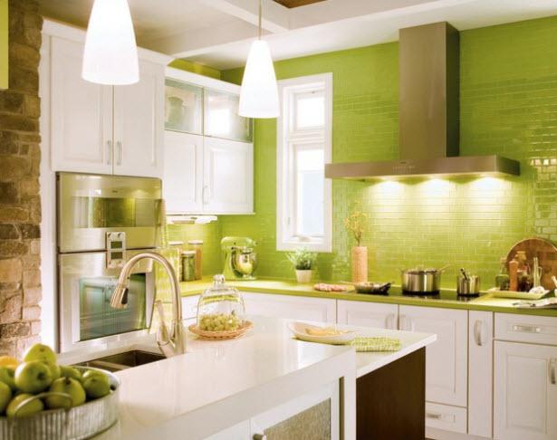 Pastilhas de vidro verde na cozinha