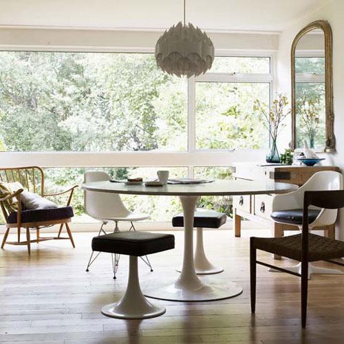 Mesa Saarinen fica linda na sala de jantar