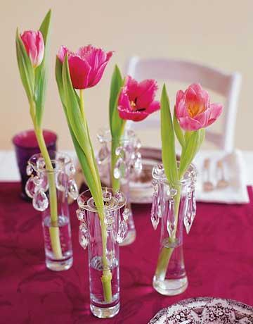 Arranjos florais feitos com tulipas