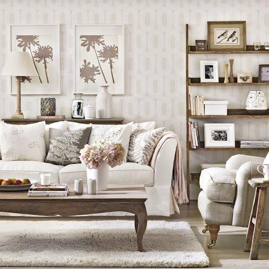 Linda sala de estar decorada com carinho - Sofas estilo colonial ...