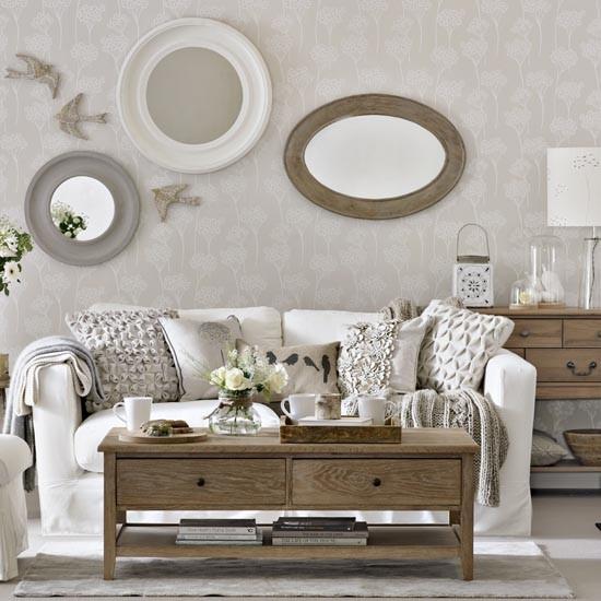 Linda sala de estar decorada com carinho - Ivory painted living room furniture ...
