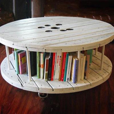 Mesa feita com carretel