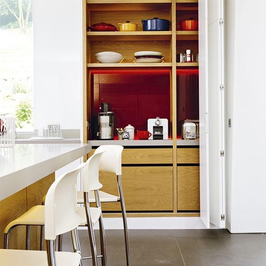 Cozinha vermelha e branca