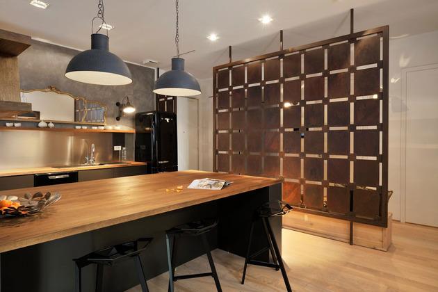 Os elementos da decoração chamam a atenção por inovarem na cozinha