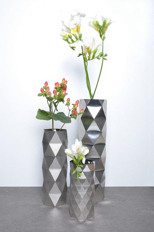 Os vasos da coleção são modernos e atraentes