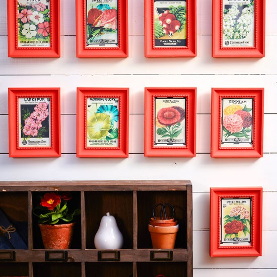 Arte na parede com embalagens de sementes