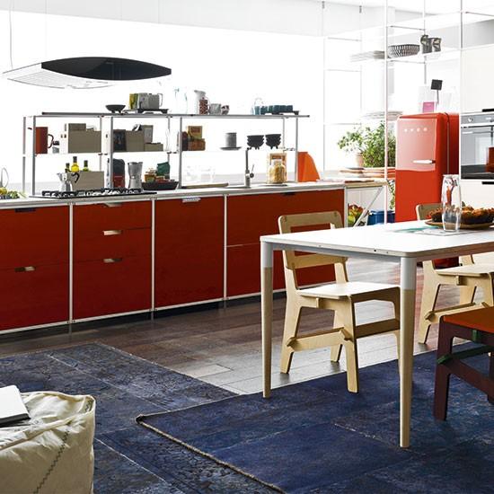 Cozinhas coloridas para inspirar novas receitas