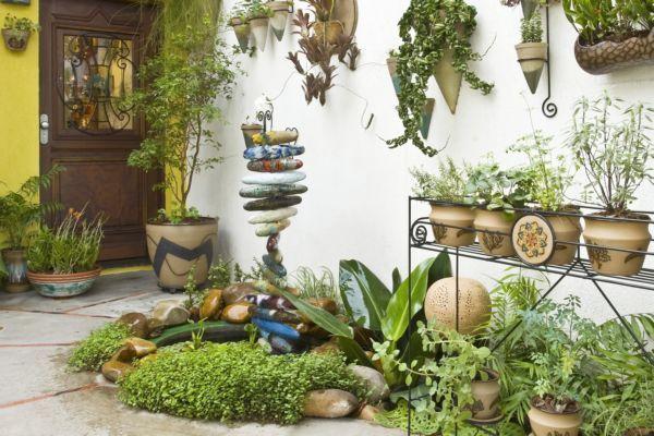 Um jardim pequeno também pode ser muito aconchegante