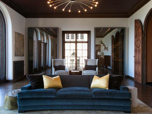 Sala de estar eclética e ao mesmo tempo clássica