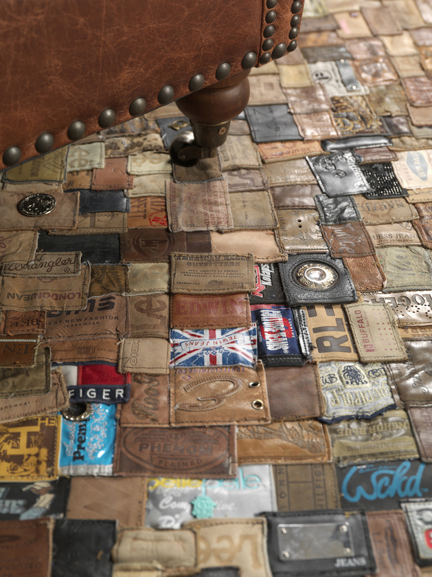 Um incrível tapete de etiquetas