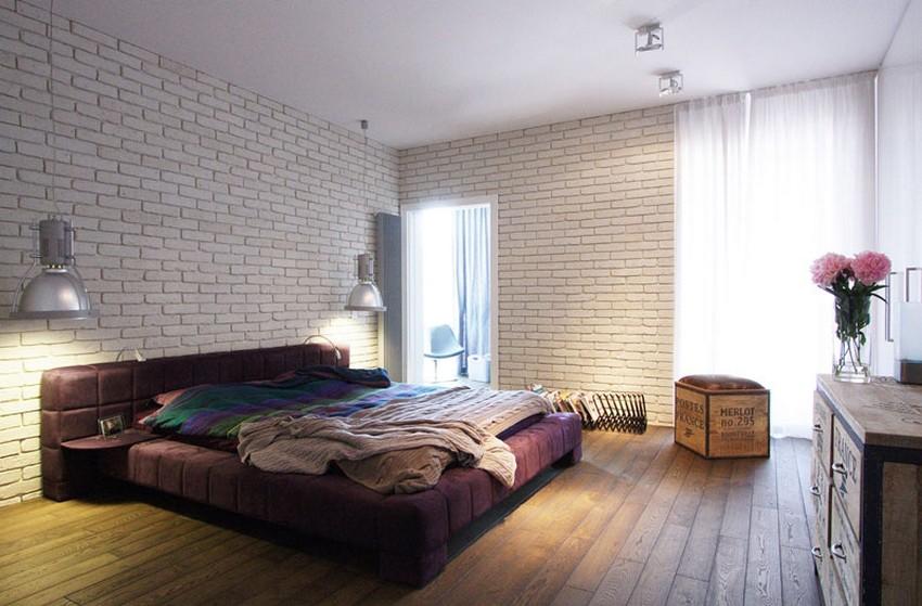 A cama roxa rouba a cena no quarto