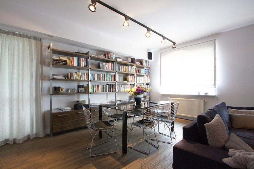 A sala de jantar combina muito bem com o estilo do apartamento