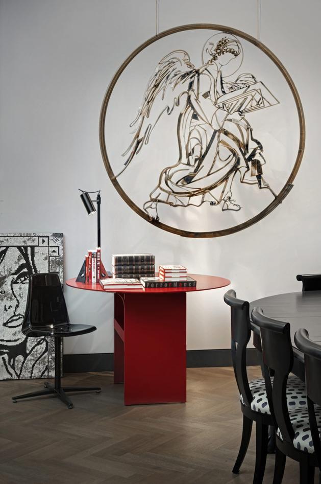 Um espaço pequeno serve como Home Office